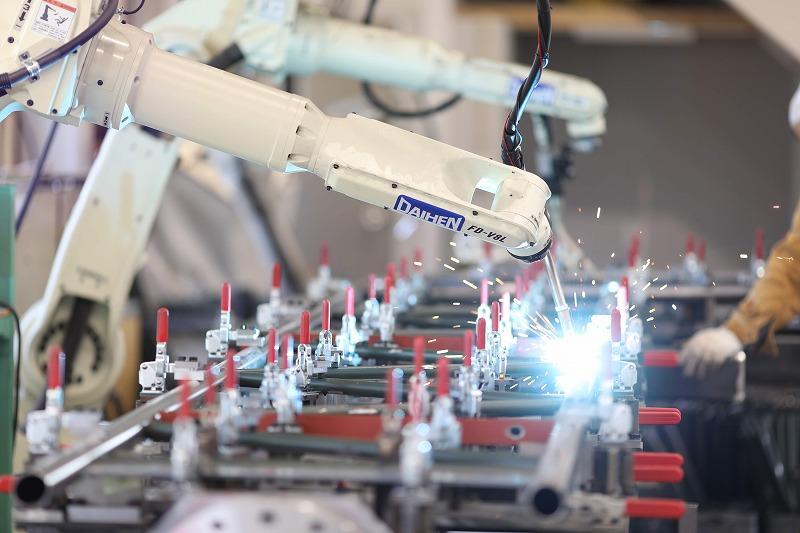 自動溶接ロボット